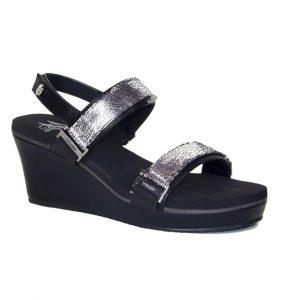 "2.5"" black wedge sandals"